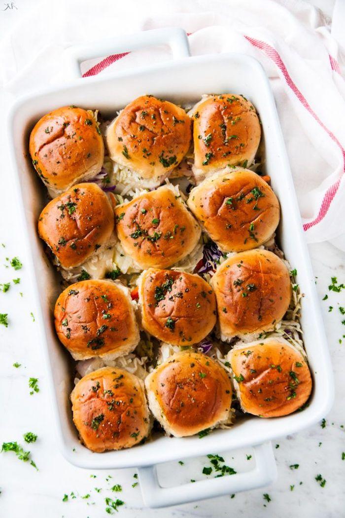 Bubble Bread selber backen, schnelles und leckeres Partyessen, Fingerfood Idee für Party