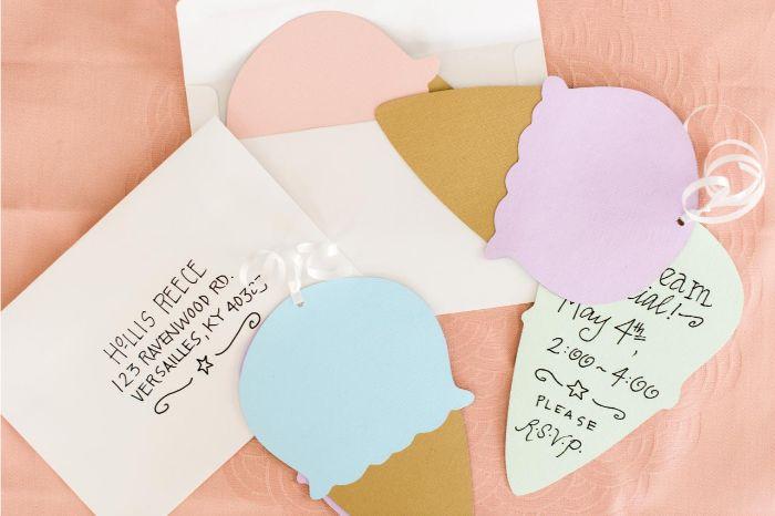 einladungen drucken, eis, karten in form von eiskonen, blau, rosa, einladung idee