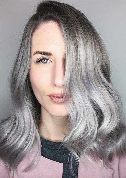 haar trend 2019, haare mit dunklen ansätzen und blau und grau spitzen