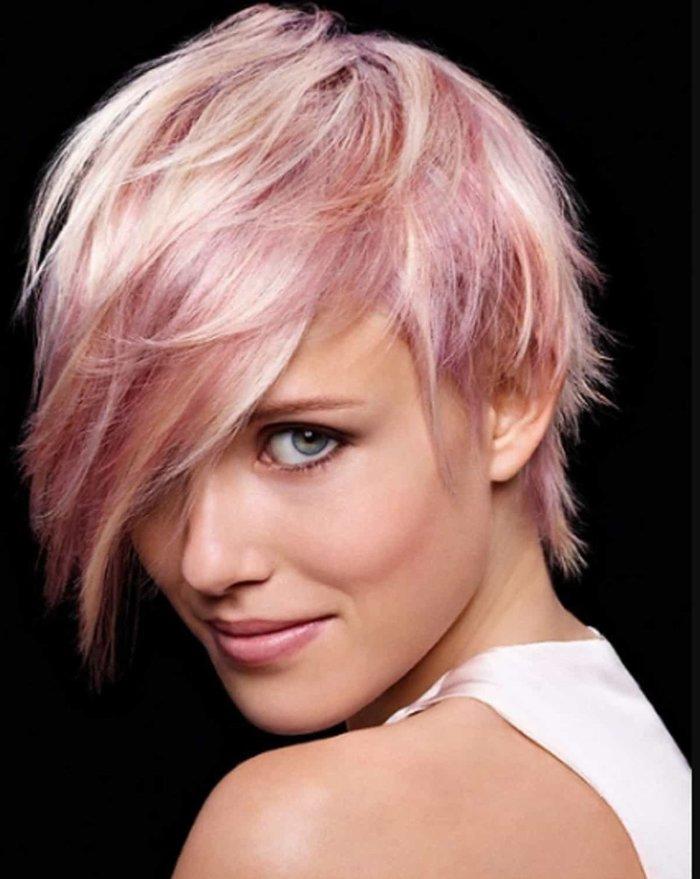 haar trend 2019, rosa haare, kurzes haar glatt mit ausgefallenem stil, frisur ideen