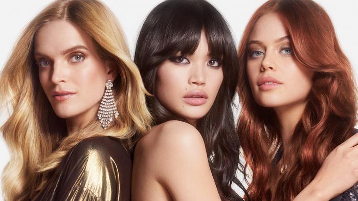 frisur trend 2019, drei frauen mit verschiedenen haarfarben, blond, schwarz, rot