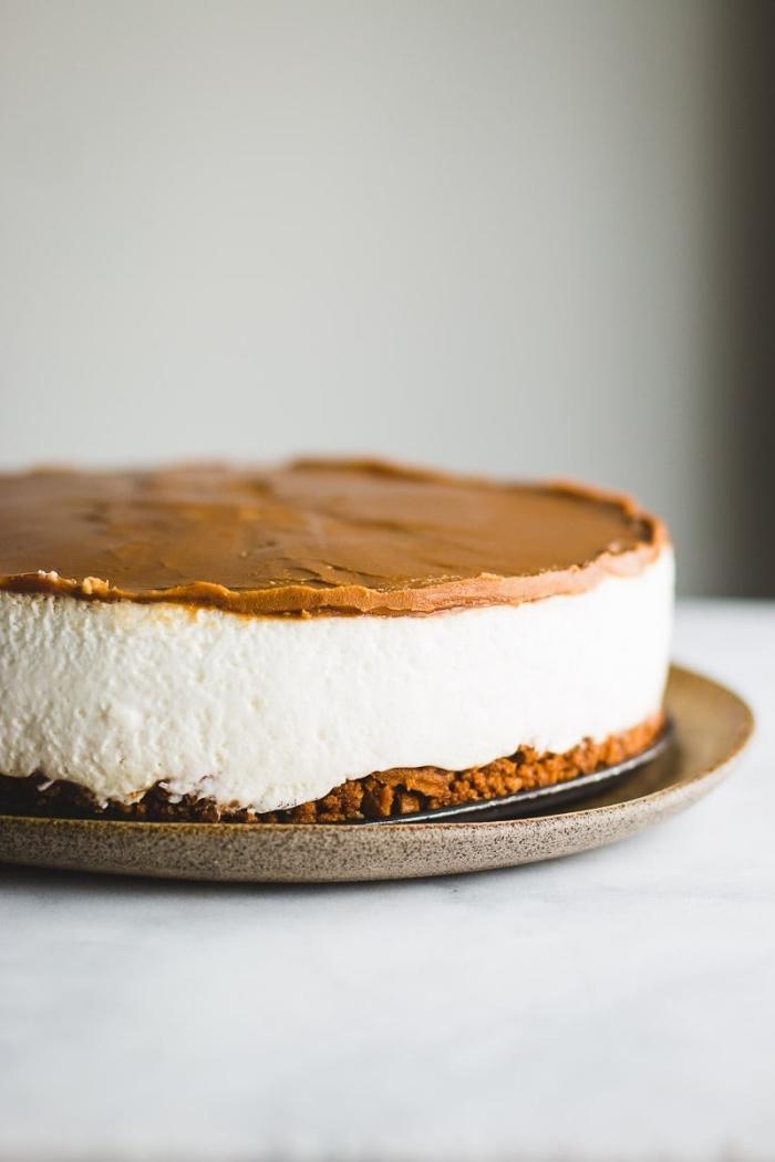 käsekuchen ohne backen, schnelle torte mit frischkäse und schokolade, schneller nachtisch ideen