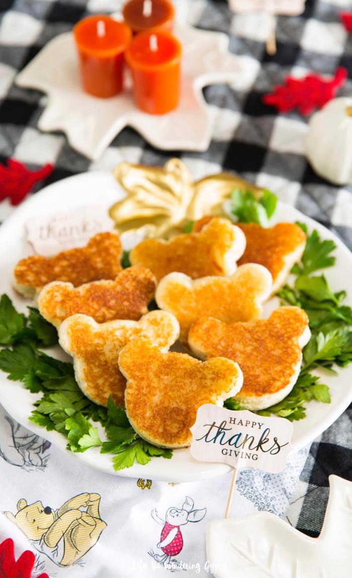 kleine snacks für party, kindergeburtstag ideen, kleine gebäcke in der form von bärchen, kinderparty essen