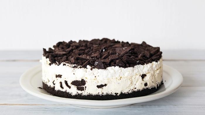 kuchen mit keksboden aus oreo keksen, oreo torte rezept, eiscremetorte zubereitungsweise