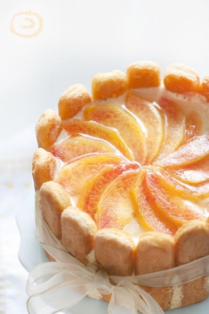 dessert mit kramell, kuchen ohne backen, torte mit biscotten, frischkäse und früchten