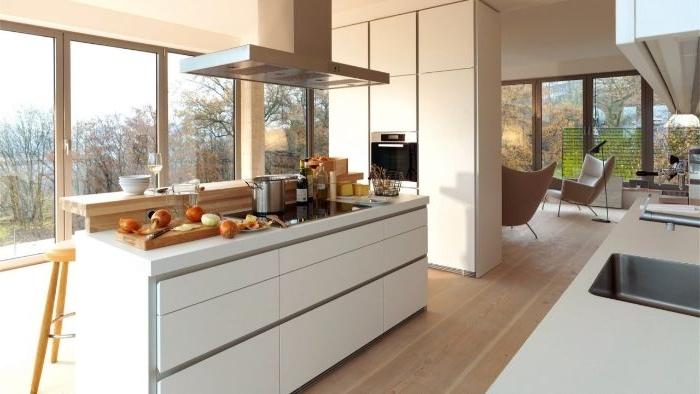 weniger ist mehr, küchen dekorationen auf der kochinsel, kochplatte mit obst und gemüse
