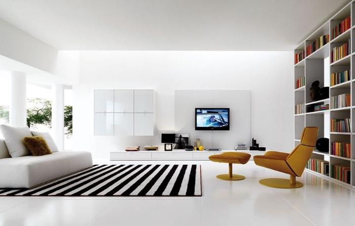 minimalistische möbel, teppich mit streifen, weis und schwarz gelber lesesessel