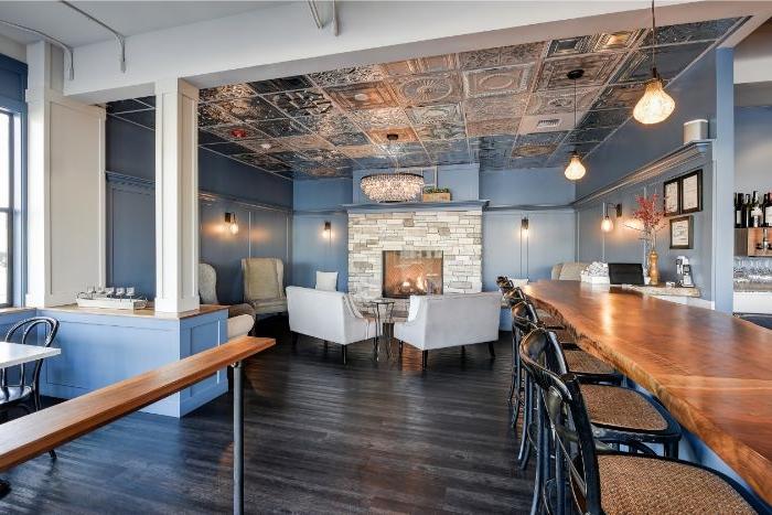 minimalistisch leben erfahrungen, ein restaurant oder bar, einrichtungsideen minimalismus