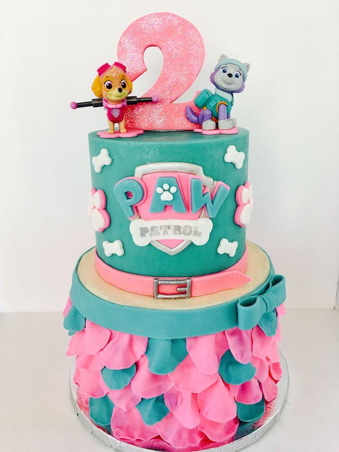 Zweistöckige Geburtstagstorte mit Paw Patrol Tortenfiguren, Fondant Torte für Kindergeburtstag