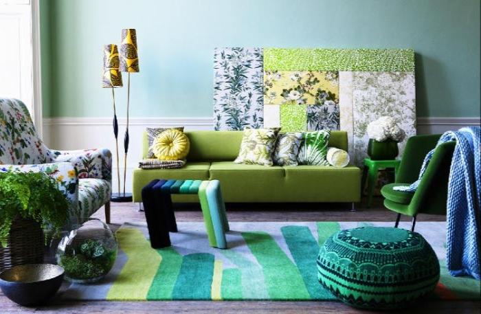 welche farbe passt zu petrol, ein beispirl für innengestaltung, hocker, bodenkissen, grüne möbel, grün, weiß petrol kombi