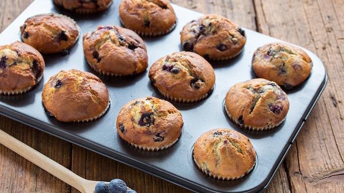 Muffins mit frischen Blaubeeren selber backen, schnelles Fingerfood Rezept für Party