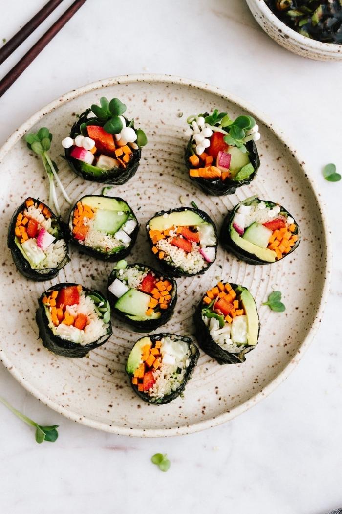 snack ideen, sushi mit gemüse, vegane rezepte, fingerfood kalt, häppchen rezepte, partyessen