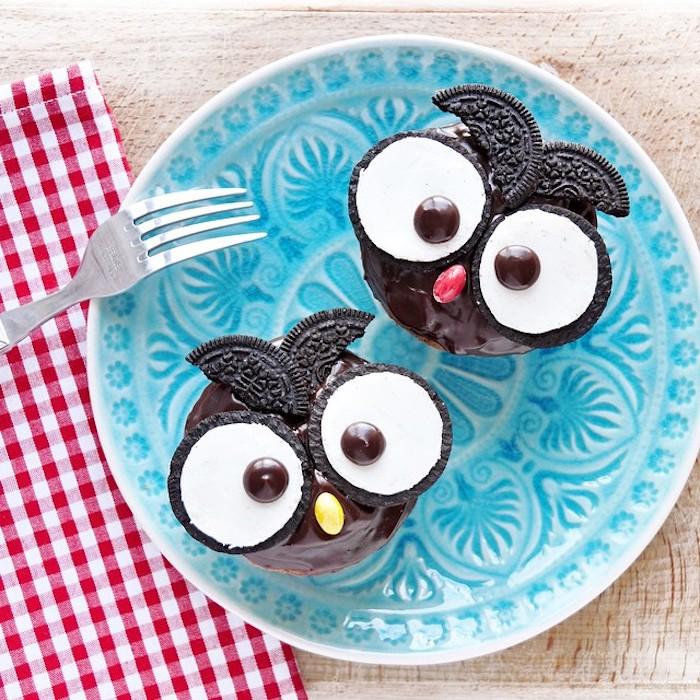 Uhu Cupcakes mit Oreo Keksen für Augen, Fingerfood Idee für Kindergeburtstag