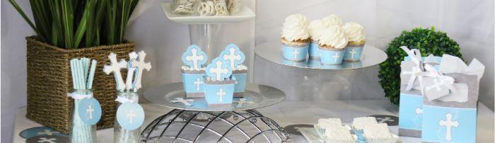 servietten taufe, dekorationen in details ansehen, deko kreuz muffins, tüten