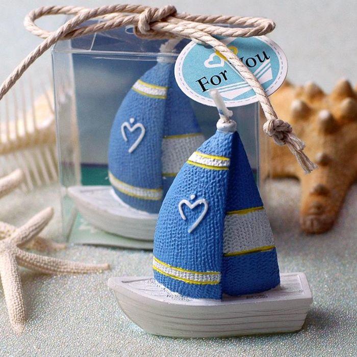 tischdeko taufe junge, kleine boote schiff deko ideen auf dem tisch maritime deko