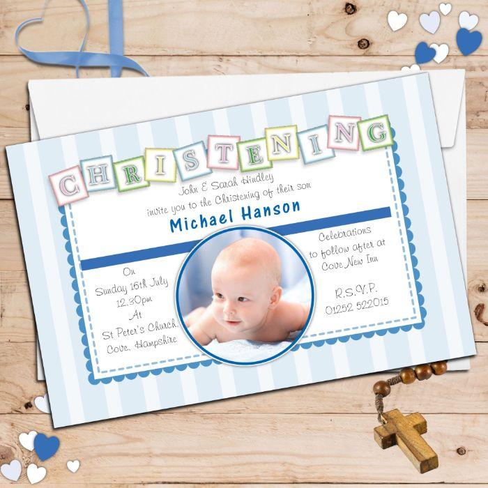 tischdeko taufe junge, einladungskarten mit dem foto vom baby, blaue herzchen