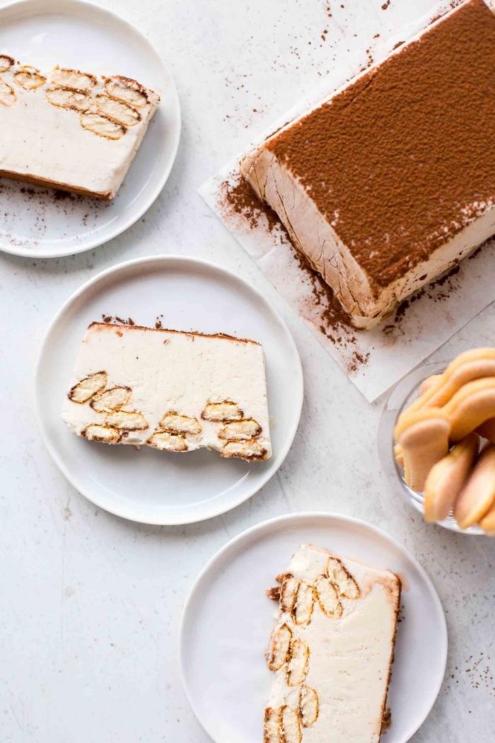 torte ohne backen ideen, tiramisu mit eiscreme zubereiten, kuchen mit biscotten und kakao