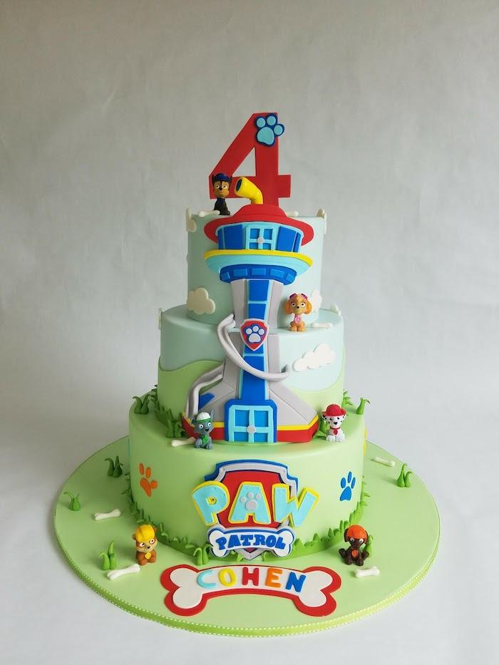 Dreistöckige Geburtstagstorte mit Paw Patrol Turm, Fondant Torte für Kindergeburtstag