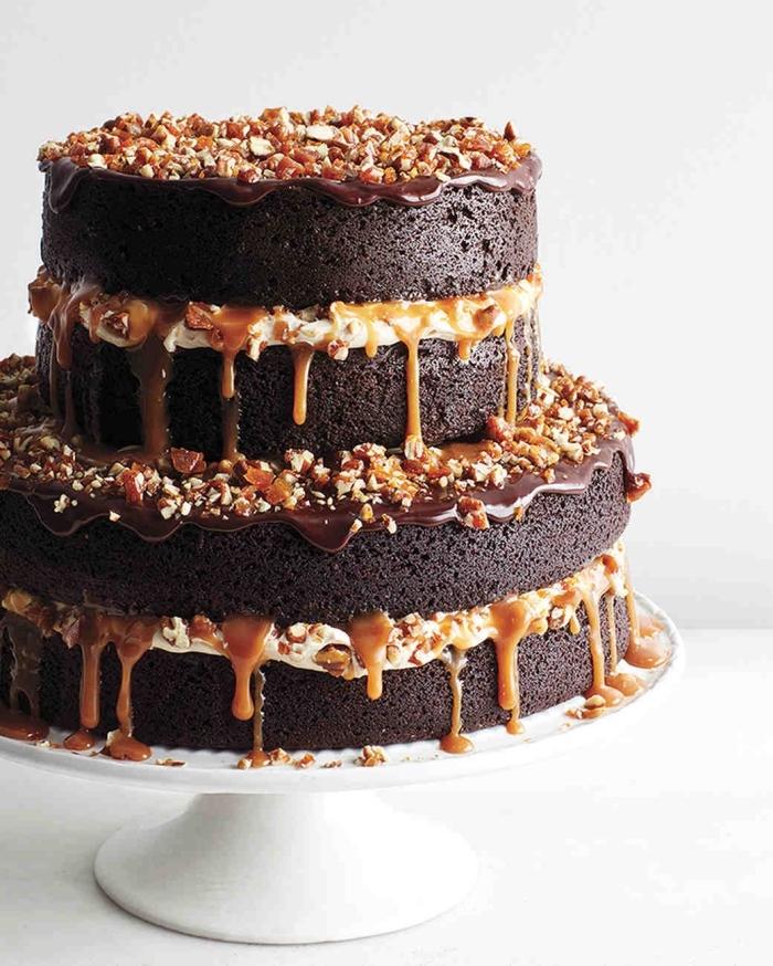 2 stöckige torte rezept, schokoaldentorte mit karamell und nüssen, schokokuchen