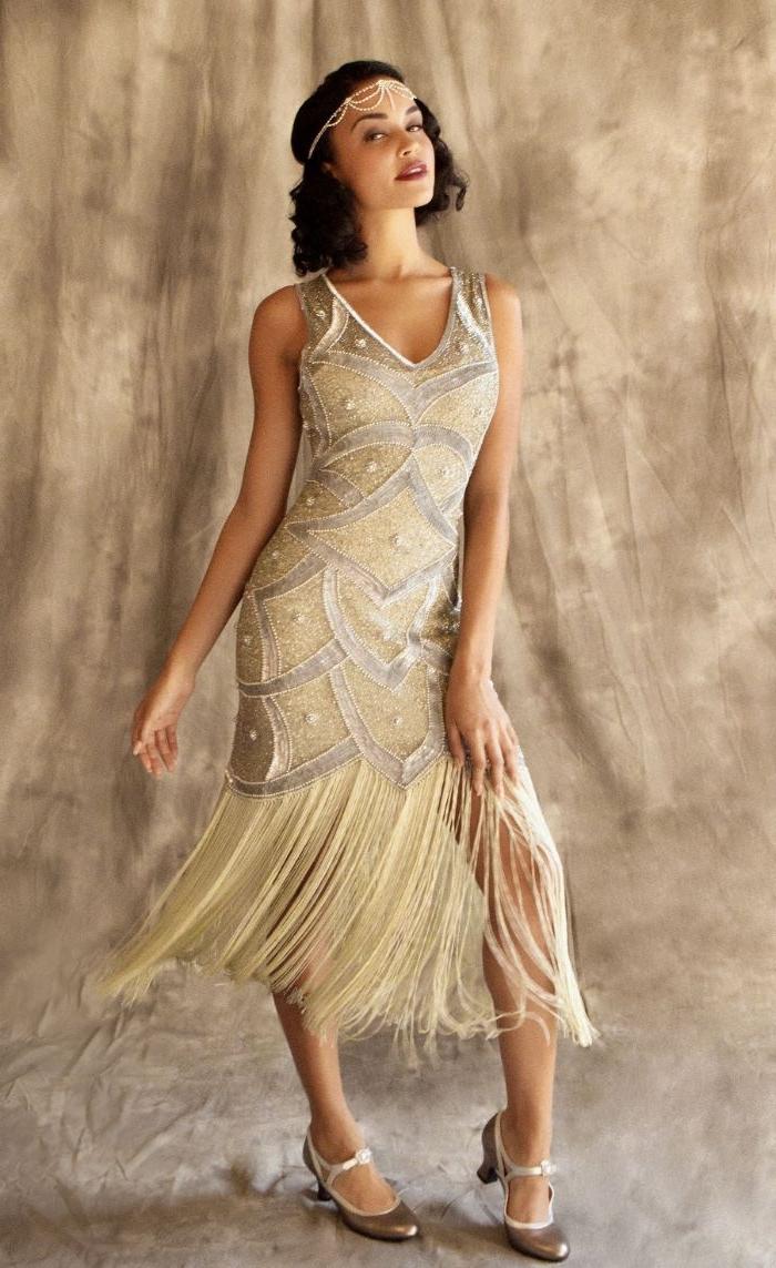 die goldenen zwanziger, mode aus der gatsby ära, champagner farbe kleid