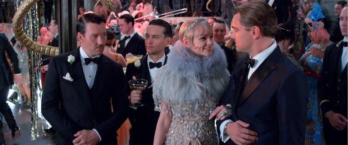 20er jahre mode frauen hose, gatsby film szene, frau und mann bei einer party leonardo dicaprio