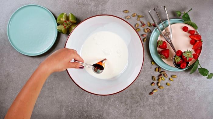 4 eis selber machen schlagsahne und vanille mischen und schlagen eiscreme ohne eismachine
