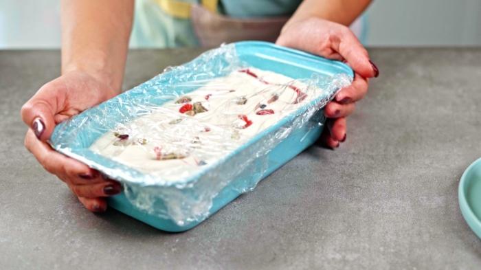 9 eiscreme ohne eismachine selber machen semifreddo eis mit beeren und pistazien