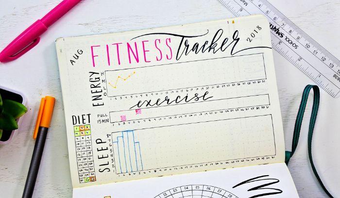 bullet journal deutsch ideen, fitness ideen zum inspirieren, dekorationen im heft, orange und rosa stifte
