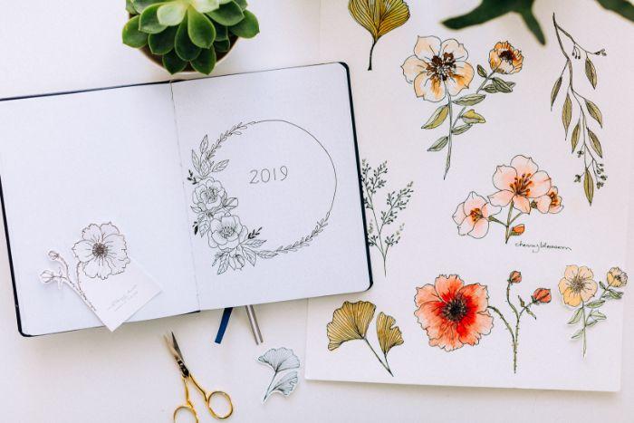 bullet journal erste seite, ein tagebuch, buch ideen deko blumen, 2019 tagebuch, journal