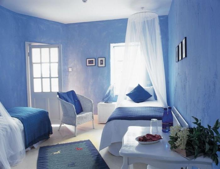 schlafzimmer einrichten, blaues zimmer, schöne zimmergestaltung, designideen, große fenster