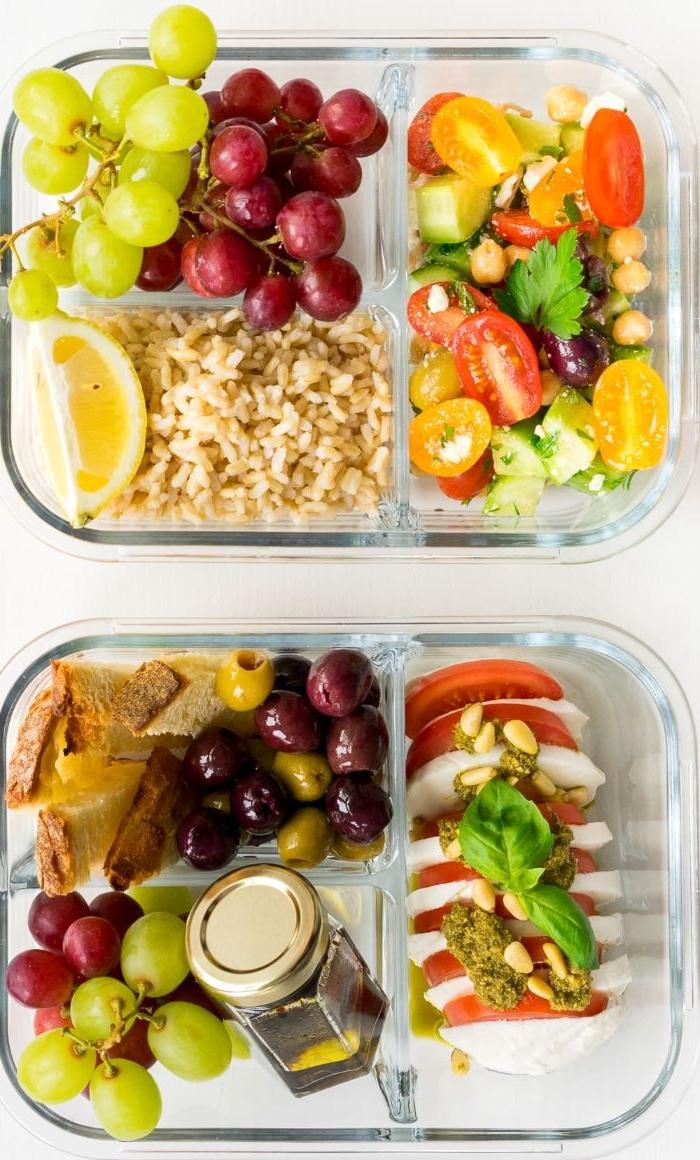 schnelle gerichte zum zubereiten, zwei glas schüssel mit essen zum mitnehmen, speisen für unterwegs oder ins büro nehmen