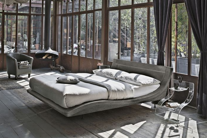 schlafzimmermöbel, graues zimmer ein schönes design idee zum entlehnen, weißes bett, große fenster