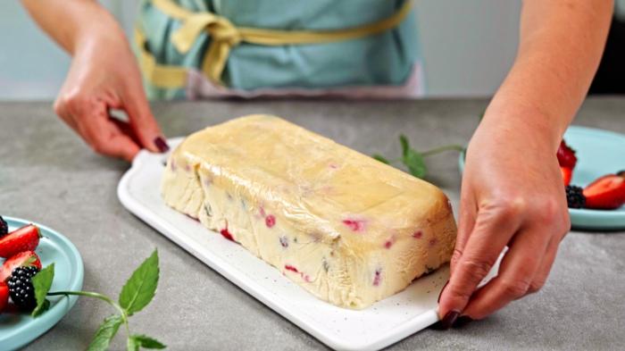 eiscreme selber machen ohne eismachine vanillecreme mit beeren venilleeis einfache zubereitung