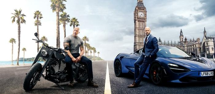 Fast Furious Hobbs Shaw, Hobbs und Shaw sitzen auf ihren Fahrzeugen, ein Bild woher sie kommen
