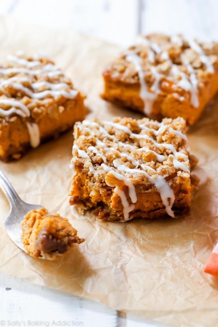 fingerfood rezepte einfach, mini pies mit kürbis, nüssen und datteln, patry häppchen