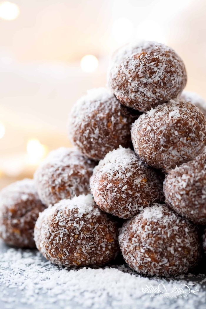 fingerfood rezepte einfach, protein häppchen mit kakao uns kokos, eiweiß rezepte