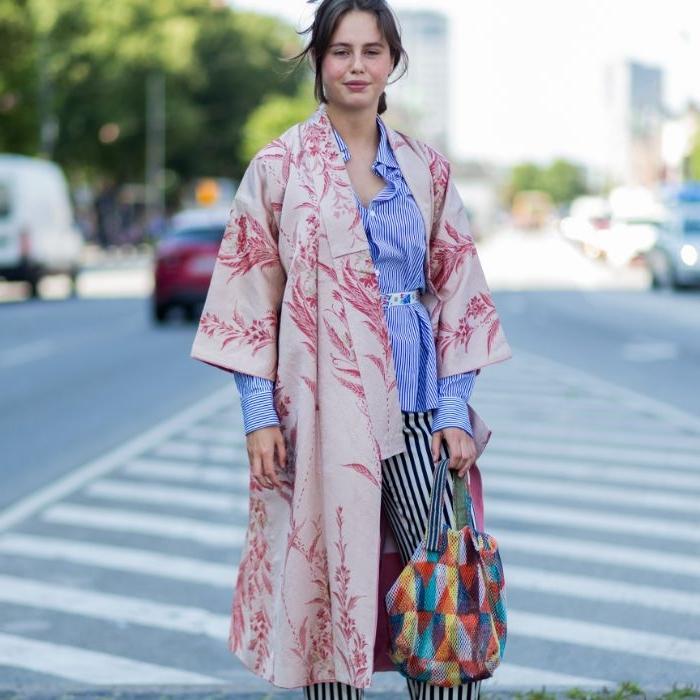 modekataloge, scani style, schichten aufeinander setzen, hose, bluse, hemd, tshirt, oberteil, bunte farb und musterkombinationen