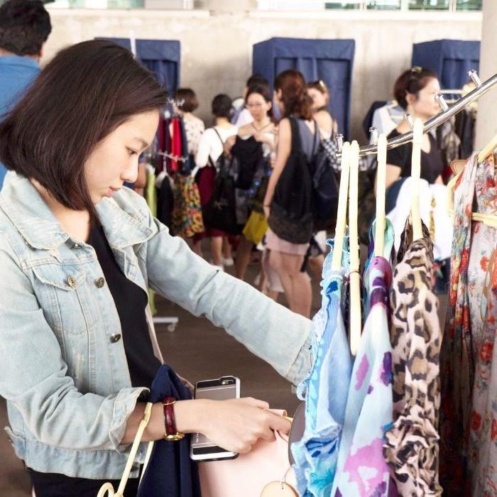 bio kleidung online oder vor ort im shop einkaufen, mode ideen, trends vintage kleidung, influencers outlet