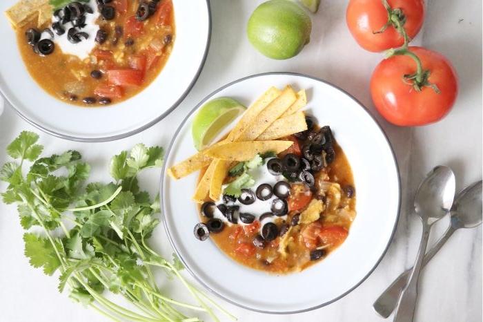 gesunde rezepte einfach zubereiten, leckere speisen für zwei, suppe mit bruschetten