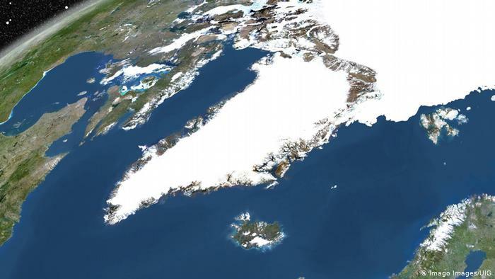 Grönland ist von Eis bedeckt, die Insel befindet sich in der Nähe von dem Nordpol