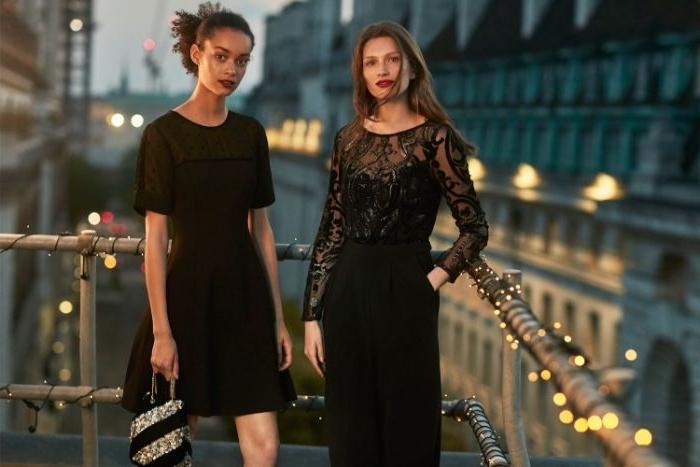 fairtrade kleidung, zwei frauen in schwarz, kleidung, kleid ideen zum entlehnen, foto auf einer terrasse