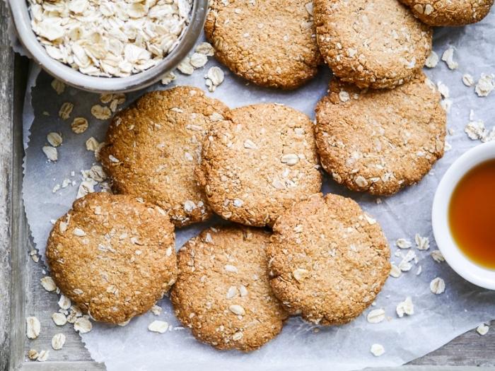 kalorienarme snacks, gesunde low carb kekse mit haferflocken, party essen ideen