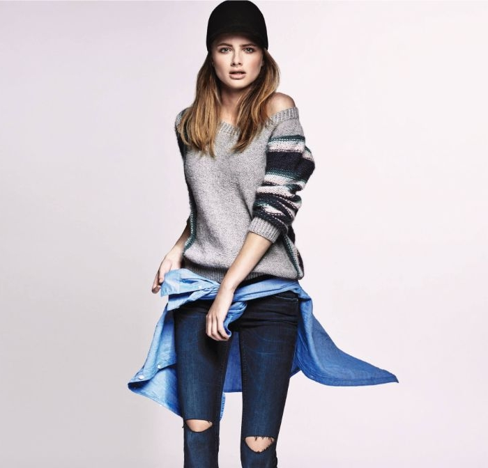 mode versand, frauenmode für den herbst, pullover mit jeans und jacke, hut