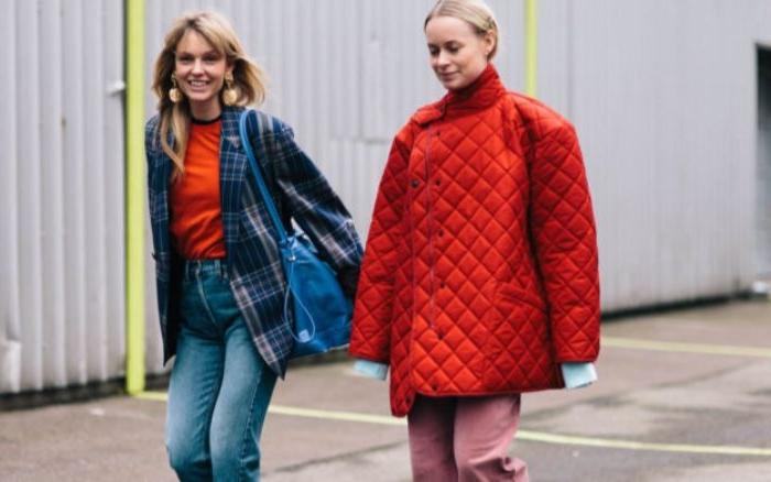 französische mode online shop, rote jacke, blaue jacke, jeans in blau oder rot