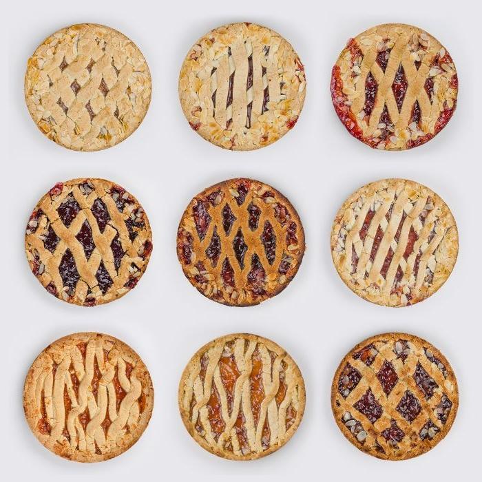 linzer torte rezept, neun kleine schnitten mit verschiedenen kettendesigns und füllungen