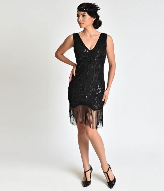 20er jahre kostüm, knielanges partykleid, schwarze kleider mit pailletten und fransen