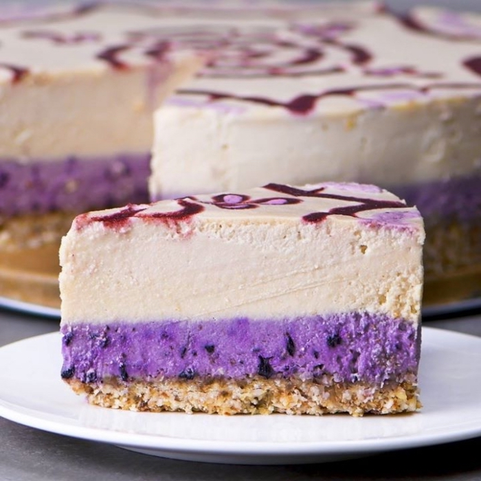 frishckäsekuchen mit blaubeeren, kuchen mit keksboden, philadelphia torte, sommer dessert