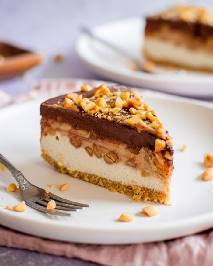 kuchen mit keksboden rzeepte, frischkäsekuchen mit schokolade und nüssen, erdnüsse