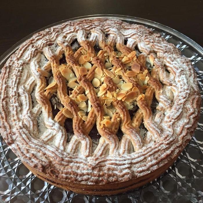 rezept linzer kuchen lafer, ein klassisches rezept mit puderzucker aufguss und mandeln auf dem gitterteig über füllung