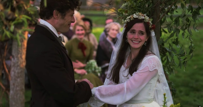 die Hochzeit von Meg, Emma Watson ist mit Hochzeitskleid in der Verfilmung von Little Women